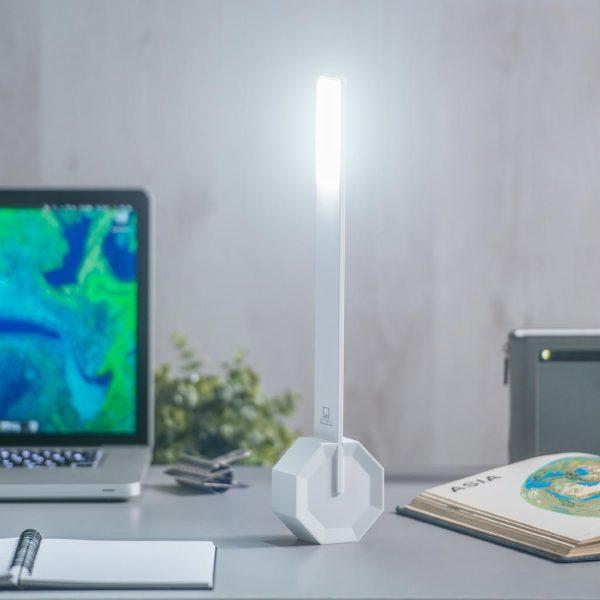 GK11-WT- Octagon One Desk Light- White